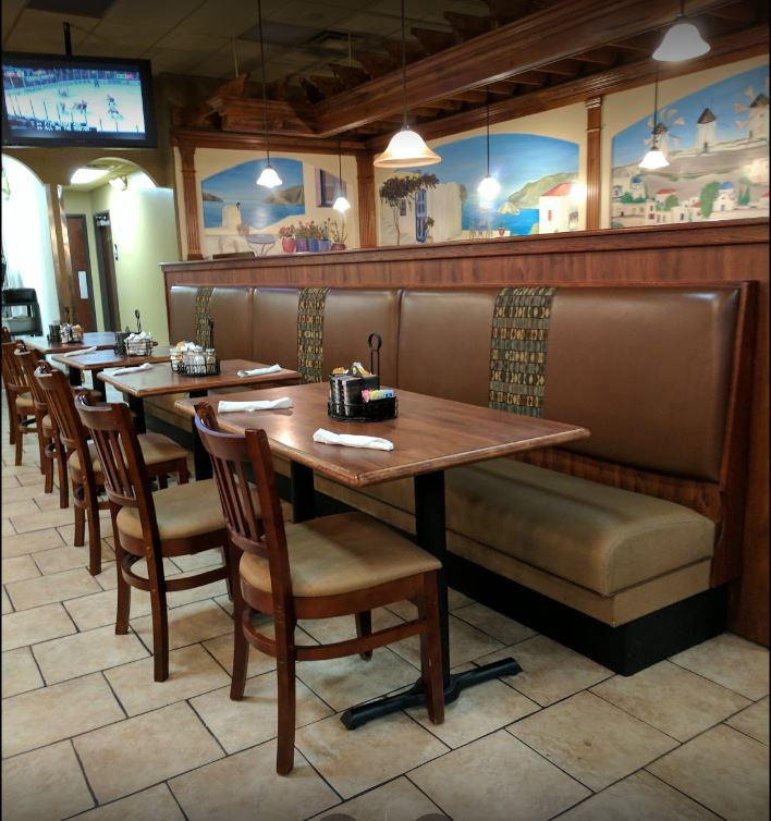 Red Olive Restaurant - Livonia Dinning Room Booths